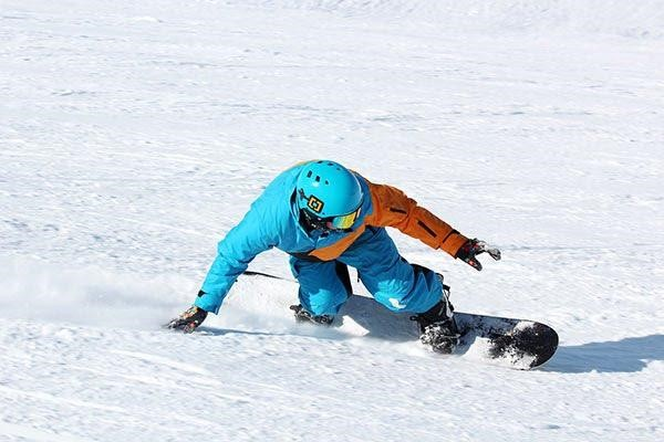 Try avoiding These Common Snowboarding Injuries
